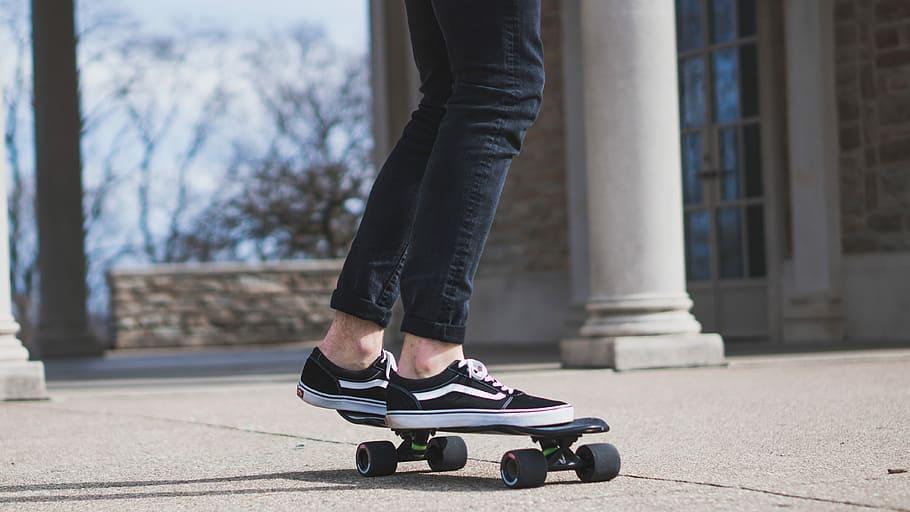 What is a Cruiser Skateboard
