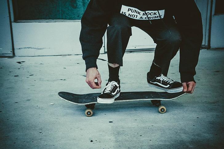 Cruiser Skateboard vs. Regular