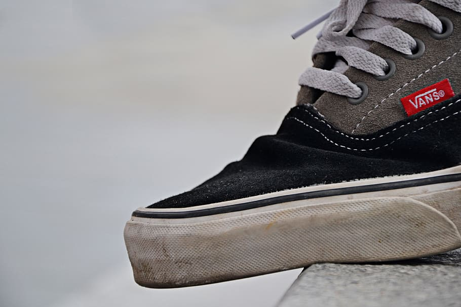 How to Lace Skateboard Shoes